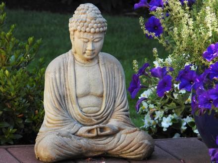 buddha and flowers